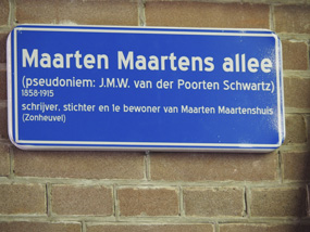 13-Maarten-Maartens-Allee